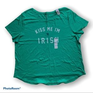 🆕 Old Navy Kiss Me I'm Irish Tee